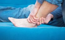 Причины, по которым не проходят синяки на ногах